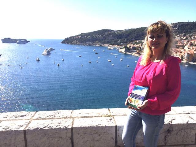 Adnan Oktar'ın Fransızca kitapları Cote d'Azur, Nice, Cannes, Saint-Tropez, Antibes, Toulon ve Marseille'de