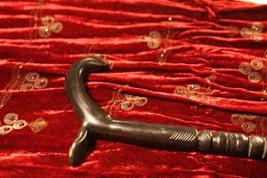 Şeyh Nazım Hocamız'ın asasının, mübarek eliyle aşınmış olan kısmı