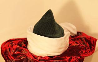 Şeyh Nazım Sultanımızın mübarek takke ve sarığı