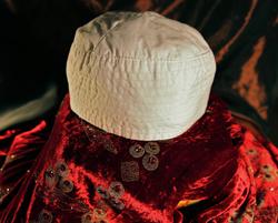 Şeyh Nazım Kıbrısı Hazretleri'nin halvette giydiği mübarek takkesi
